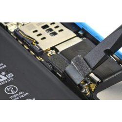 iPhone 5C Akkumulátor alaplapi csatlakozójának javítása